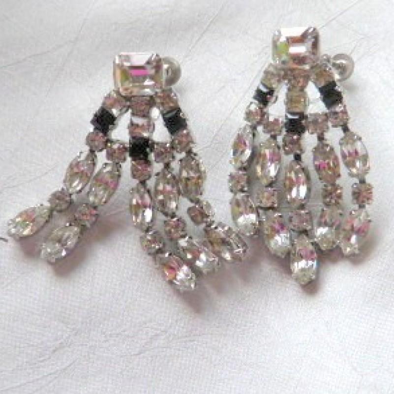 Dangling Rhinestone earrings