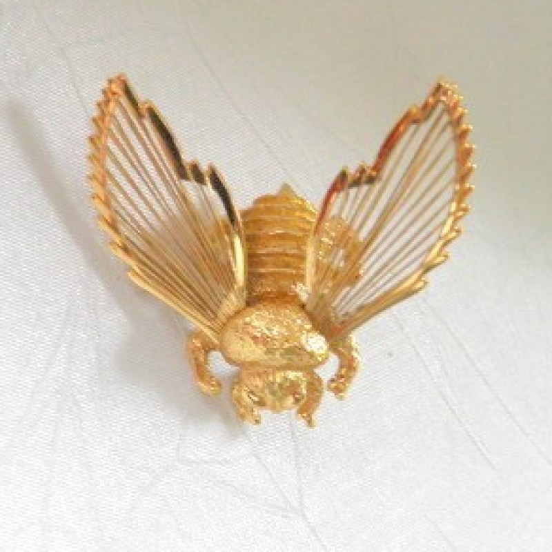 Monet Bee Pin