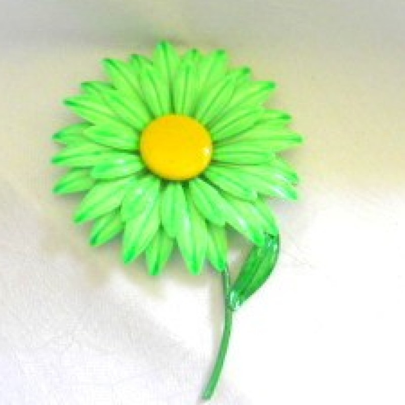 Green Daisy Pin