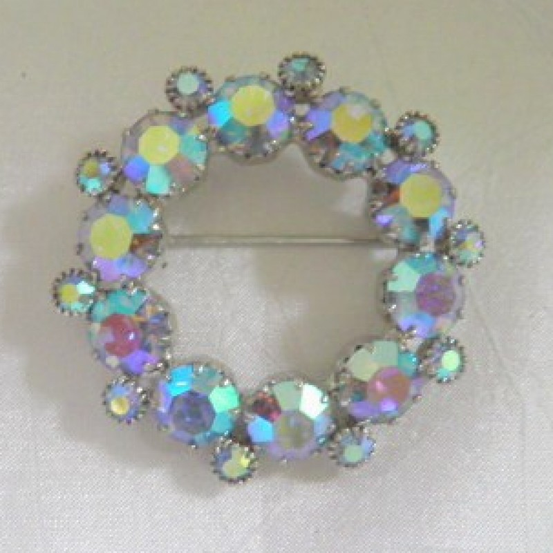 Circle Rhinestone Pin