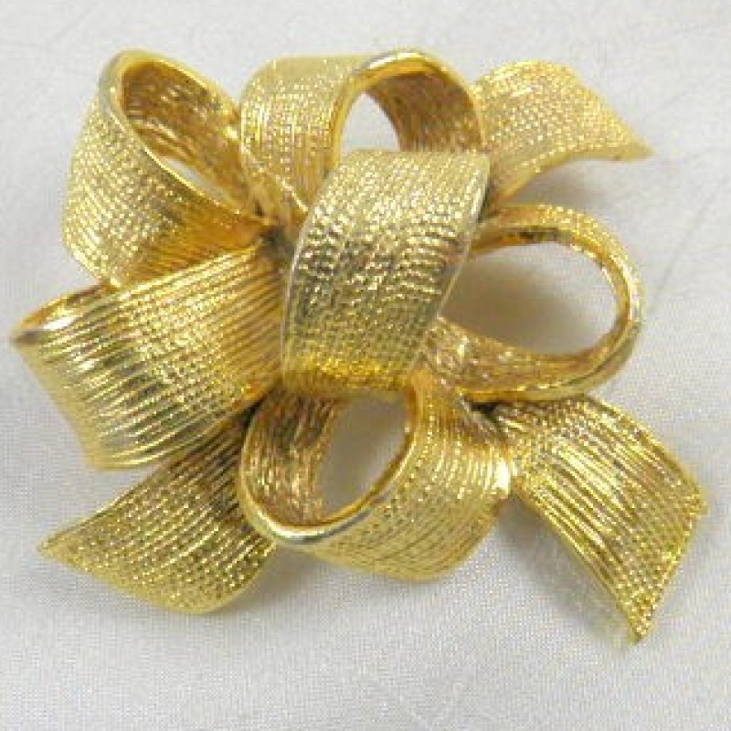 Golden Bow Pin