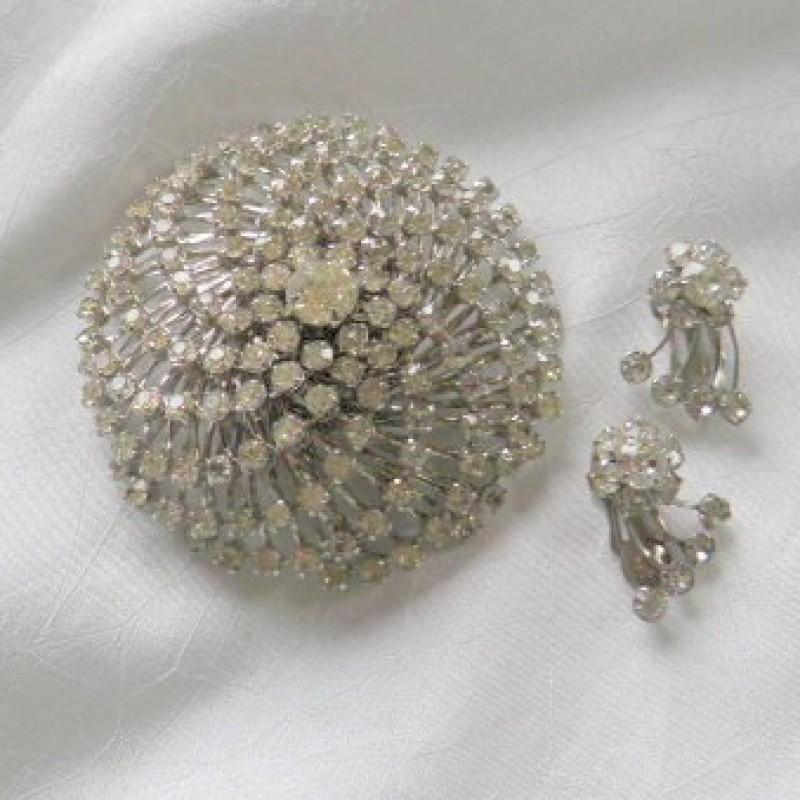 Pin & Earring Set